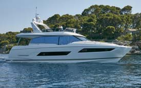Prestige 680 Yacht